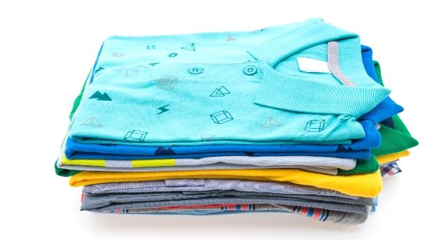 Separar la ropa por colores